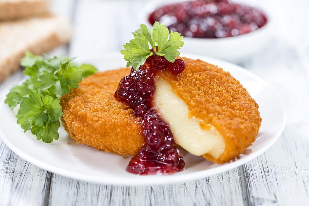 brie blueberry sauce