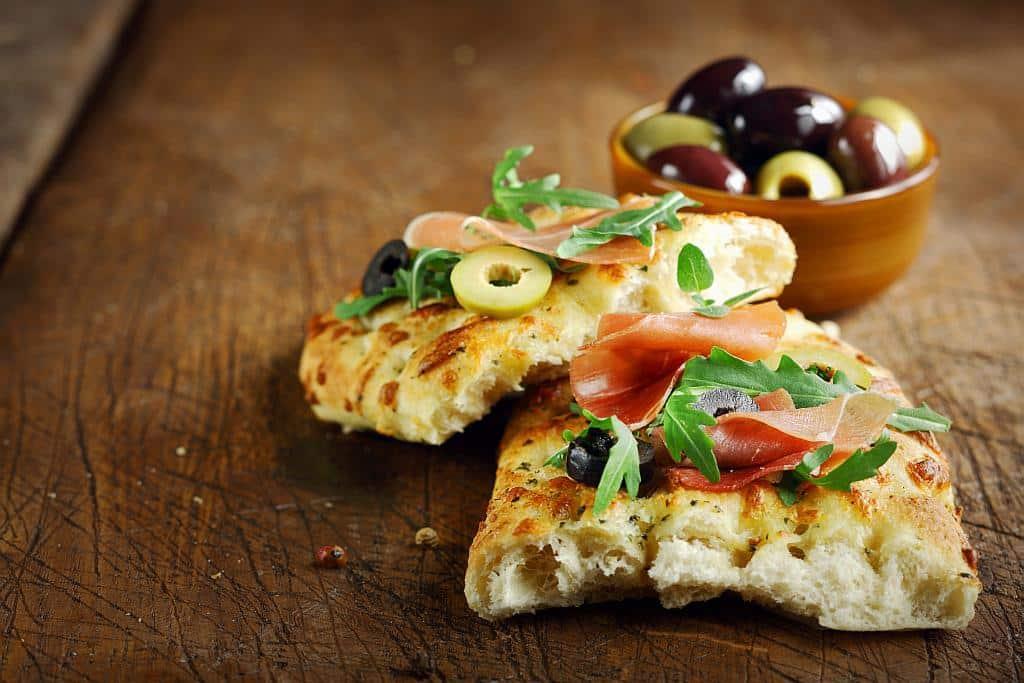 focaccia prosciutto olives