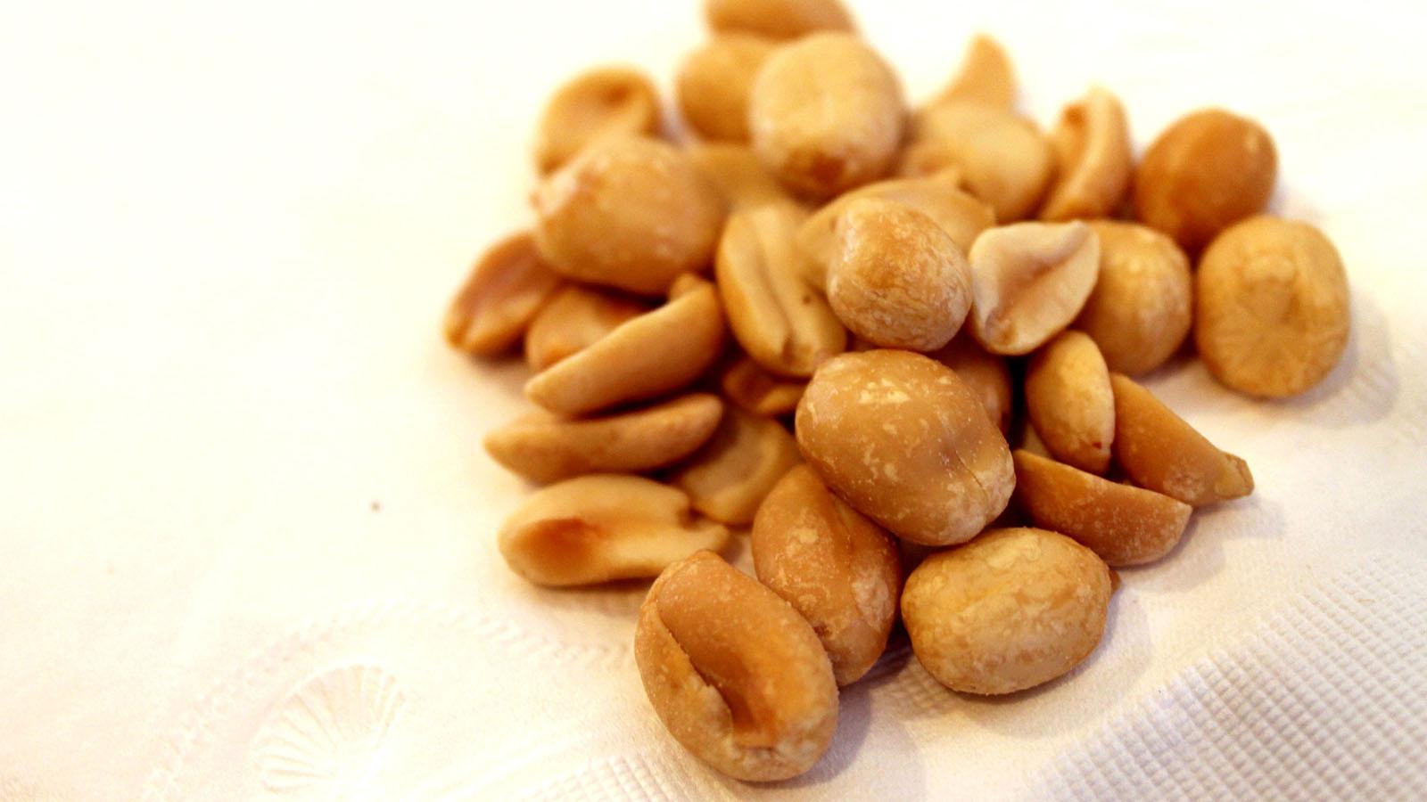 Peanuts (Daniella Segura)