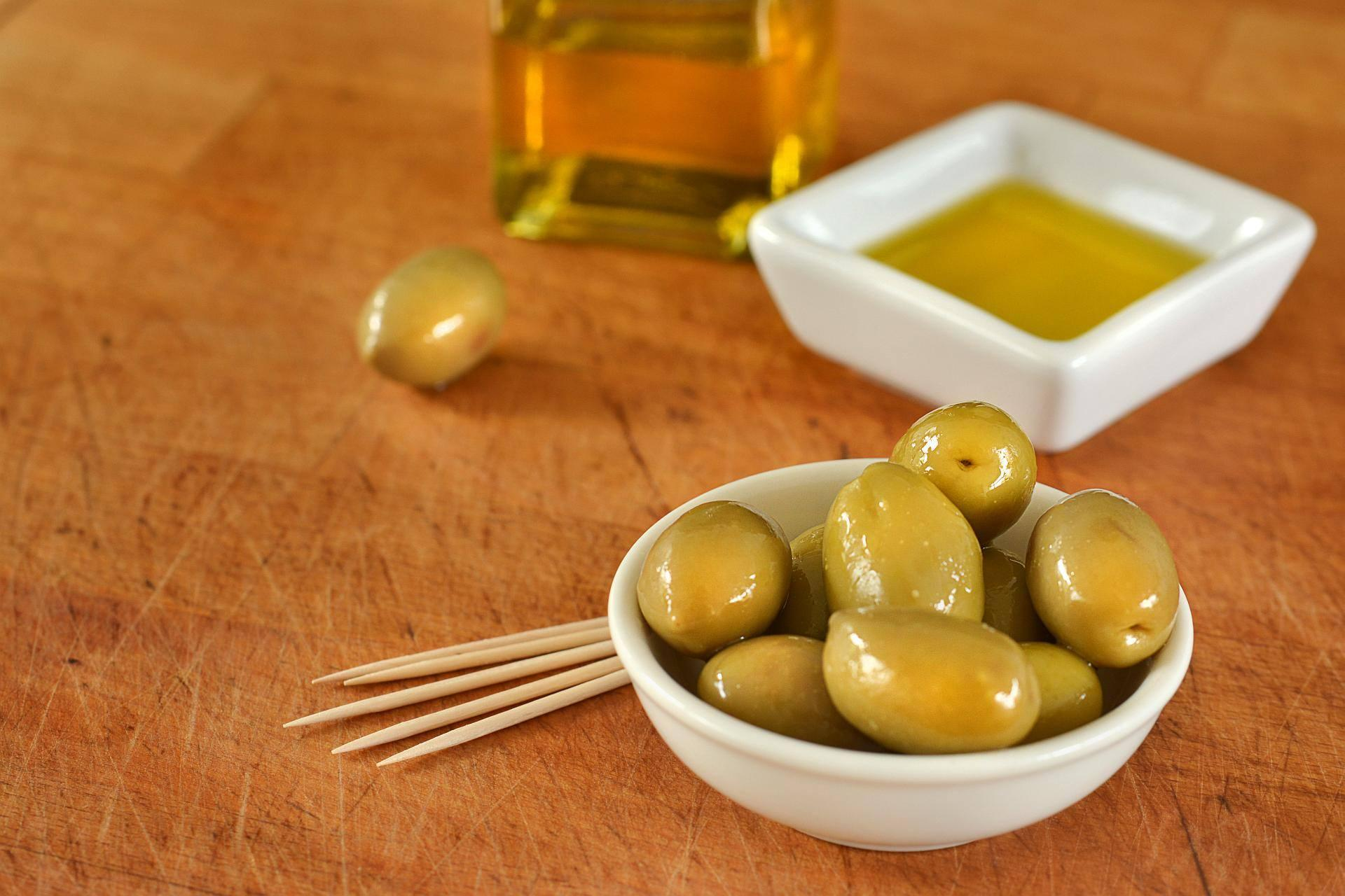 11 Health Benefits of Extra Virgin Olive Oil That You Can't Ignore